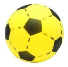 Foam voetbal geel 20 cm.