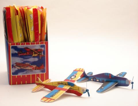 48 afschietvliegtuig+propeller in displ.